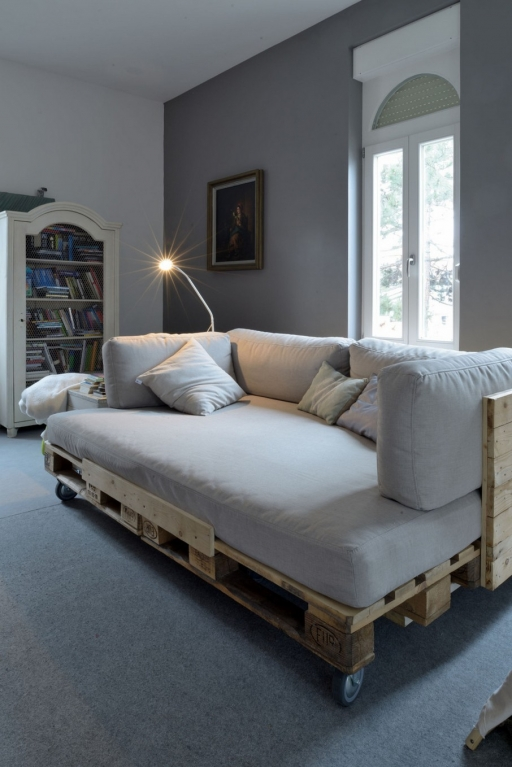 pallet sofa day bed