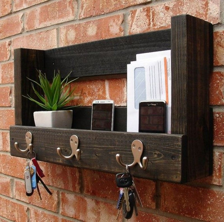 Pallet key and post storage