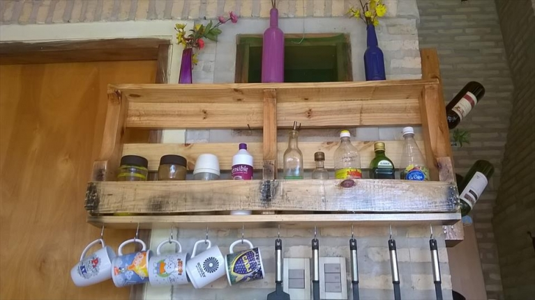 pallet cup and glass shelf