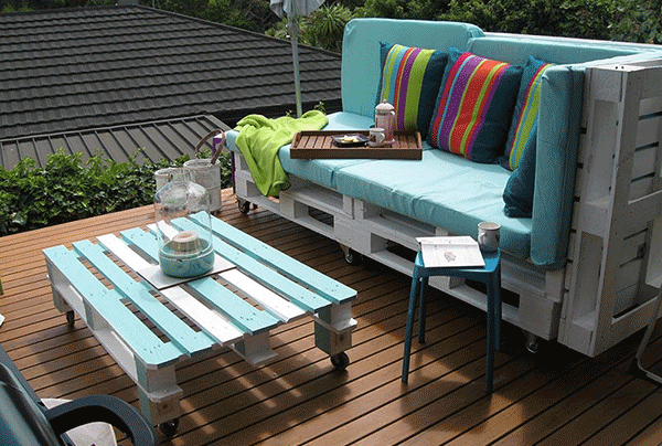 pallet patio sofa and coffee table