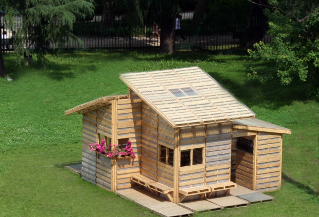 Pallet home